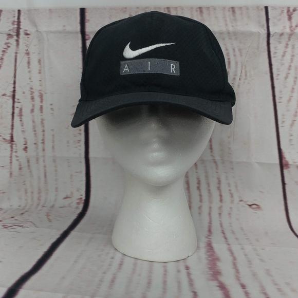 174a324fae2f2 Vintage Nike Air Snapback Hat Logo. M 5b4374b6819e90a7f6719a5c